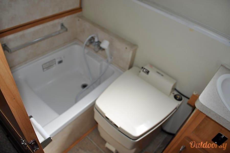 2005 Trailmanor 2720QB Portland, OR