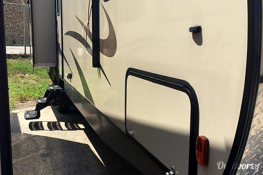 2015 Coachmen Freedom Express Boyd, TX