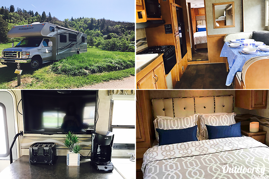 interior GORGEOUS 2016, FULLY-EQUIPPED, 31' WINNEBAGO. READY-TO-GO FOR YOUR COLORADO VACATION! Broomfield, CO