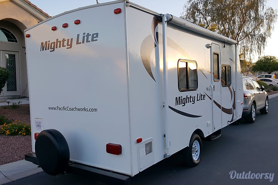 exterior Rent this like new condition 2014 Coachworks 16RB only 2600 Pounds. No mileage charges Las Vegas, NV