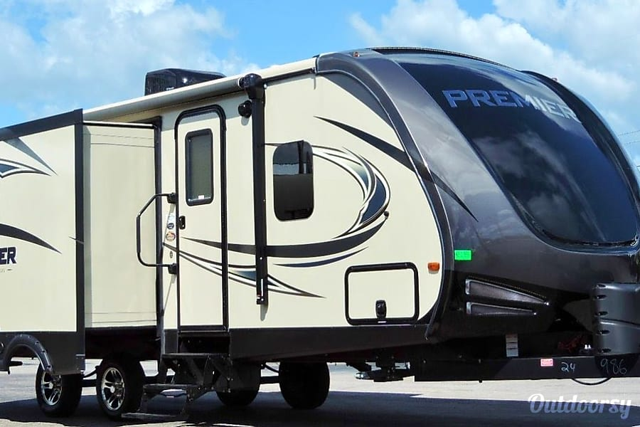 "exterior 2017 Keystone Premier 24RKPR ""The Prickly Pear"" Hockley, TX"