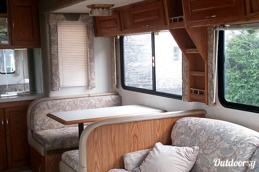 2000 National Dolphin Lebanon, PA Dinette, view from front looking rearward