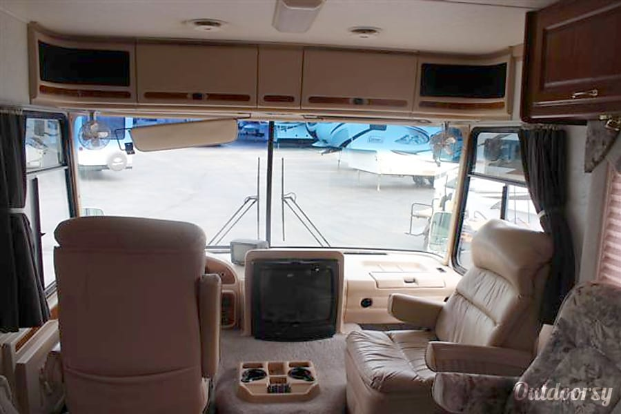 2000 Thor Motor Coach Four Winds Infinity Motor Home Class