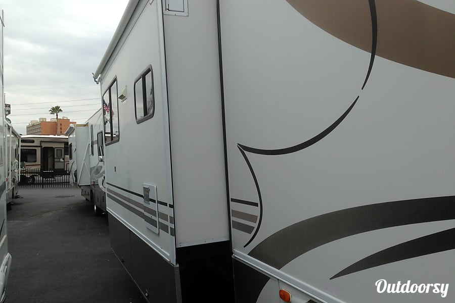 2000 Thor Motor Coach Four Winds Infinity Altamonte Springs, Florida
