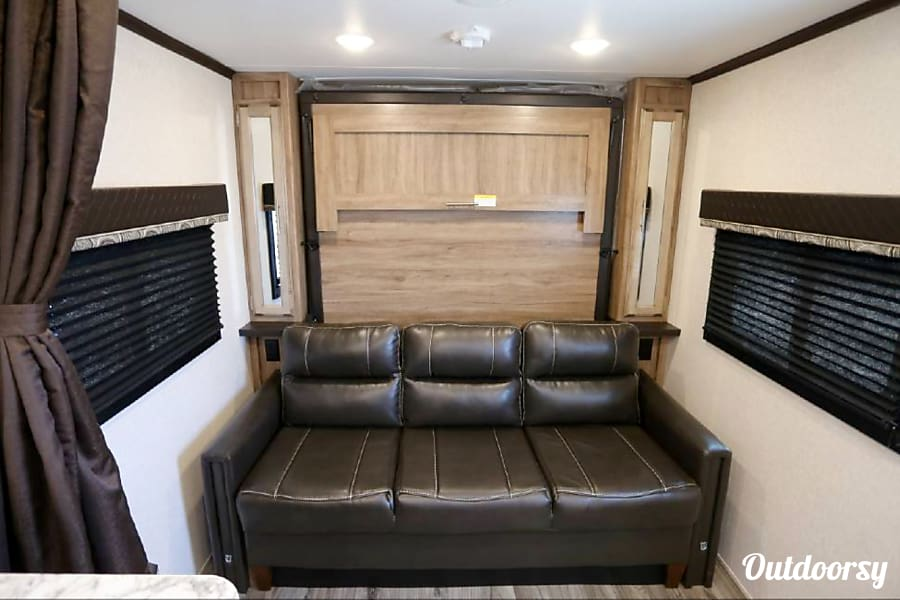 2018 Jayco Jay Feather 22 BHM Denver, CO Murphy Bed when put away