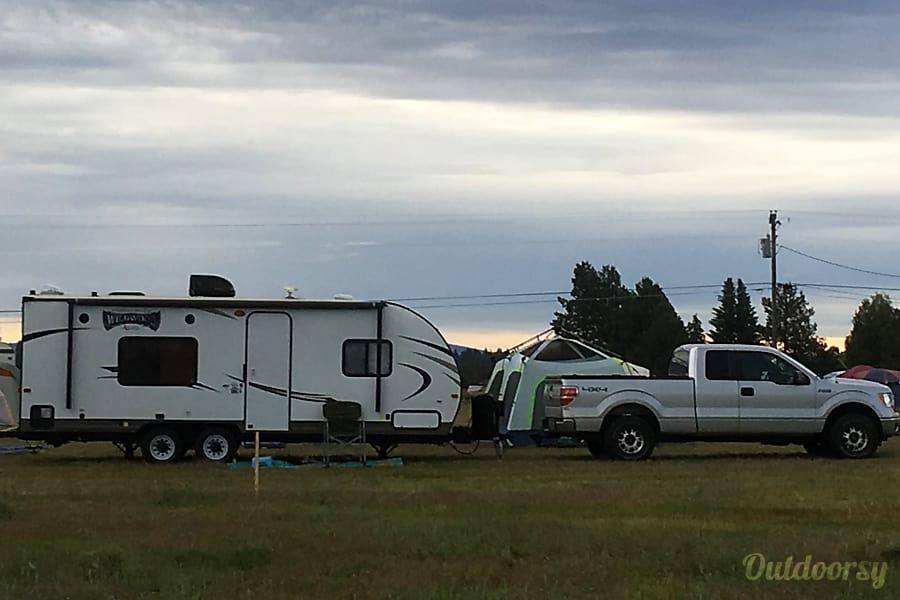 exterior 2017 Forest River Wildwood X-Lite Redmond, OR