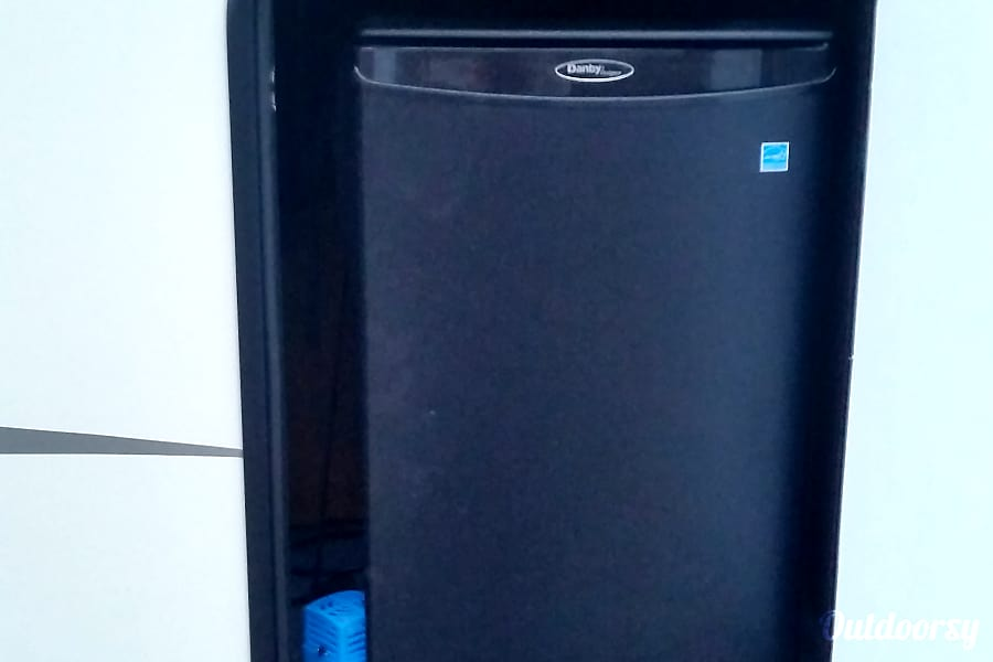 2014 Forest River Sierra Select St. Louis, MO outdoor fridge