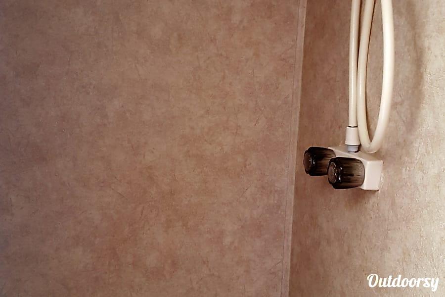 """2011 Forest River R-Pod """"SOLAR UNIT"""" 177 Durango, CO Wet bath"""