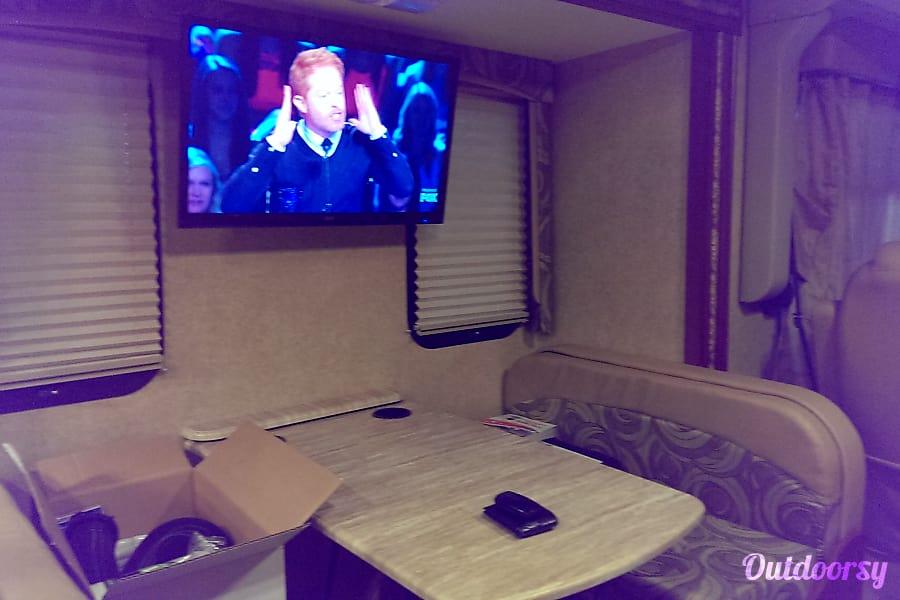 interior 2015 Thor Motor Coach Hurricane North Las Vegas, NV