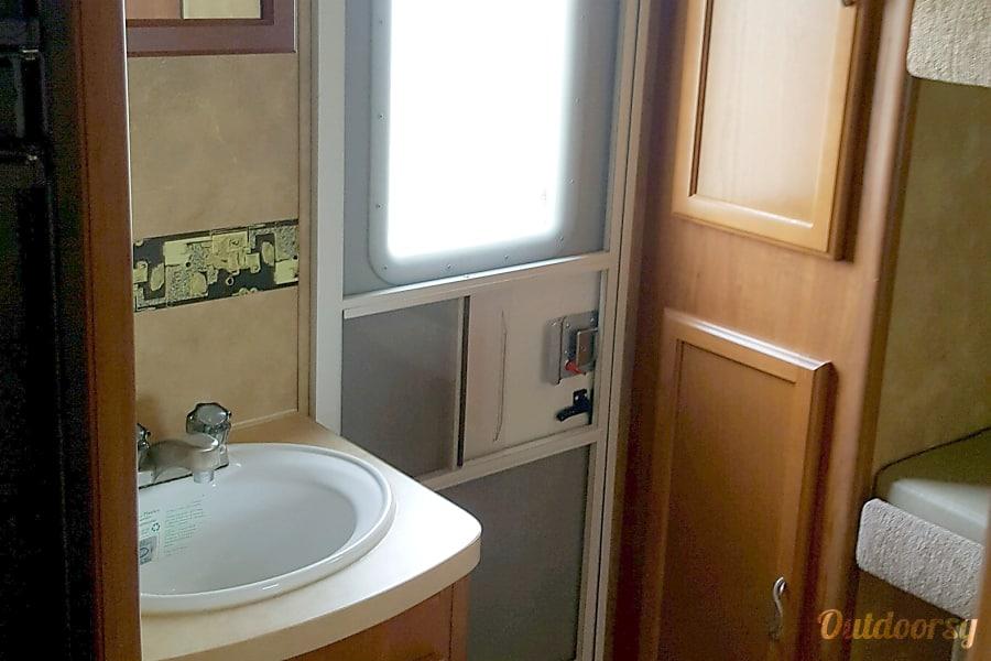 interior 🌭Tailgating? 2014 Lance  4Seasons Lite BunkHouse Southport, Florida