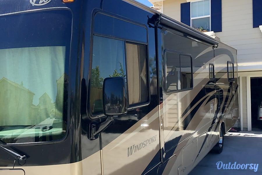 2008 Thor Motor Coach Windsport 33T Livermore, California