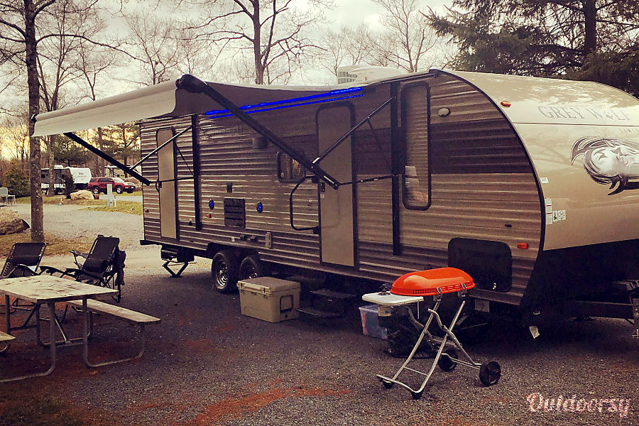 2017 Forest River Cherokee Grey Wolf...... NO TOW VEHICLE NEEDED Billerica, MA