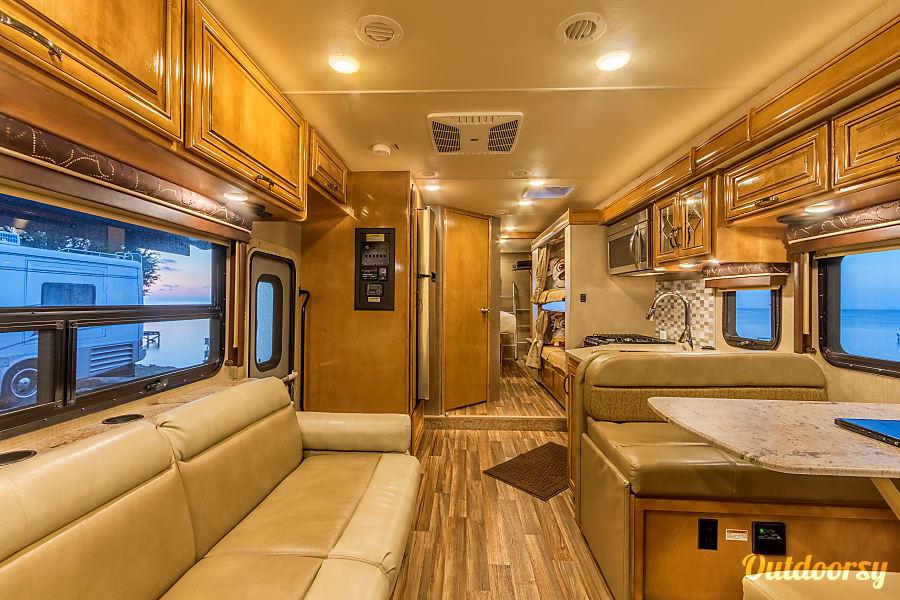 Thor Motor Coach Quantum LF31 w/Bunks Ins Orlando, FL