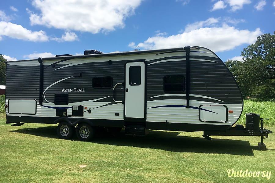 exterior 2017 Dutchmen Aspen Trail Paradise, TX