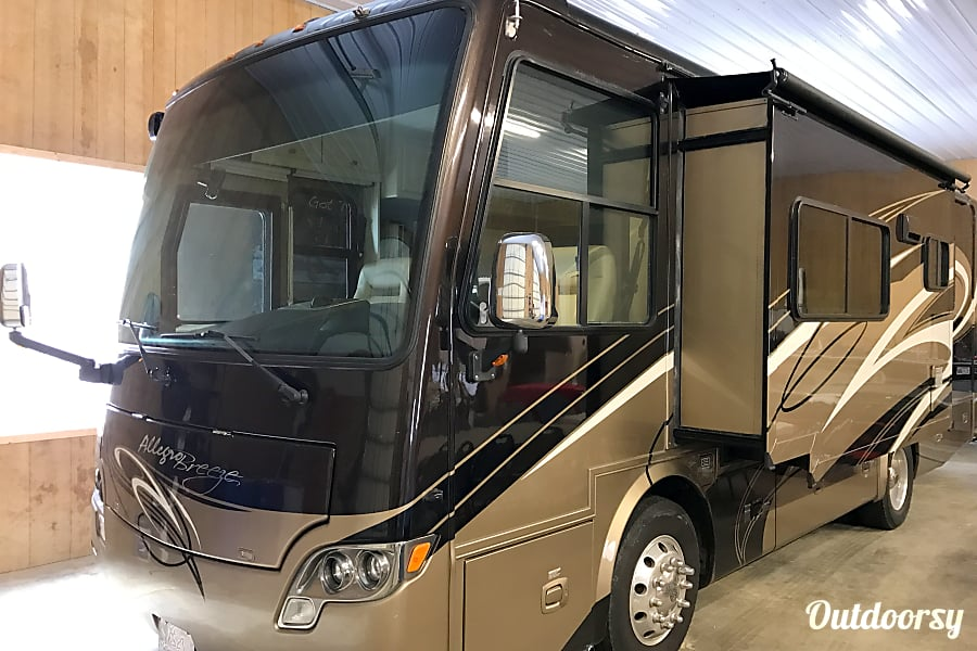 exterior 2011 Tiffin Motorhomes Allegro Breeze Cochranton, Pennsylvania