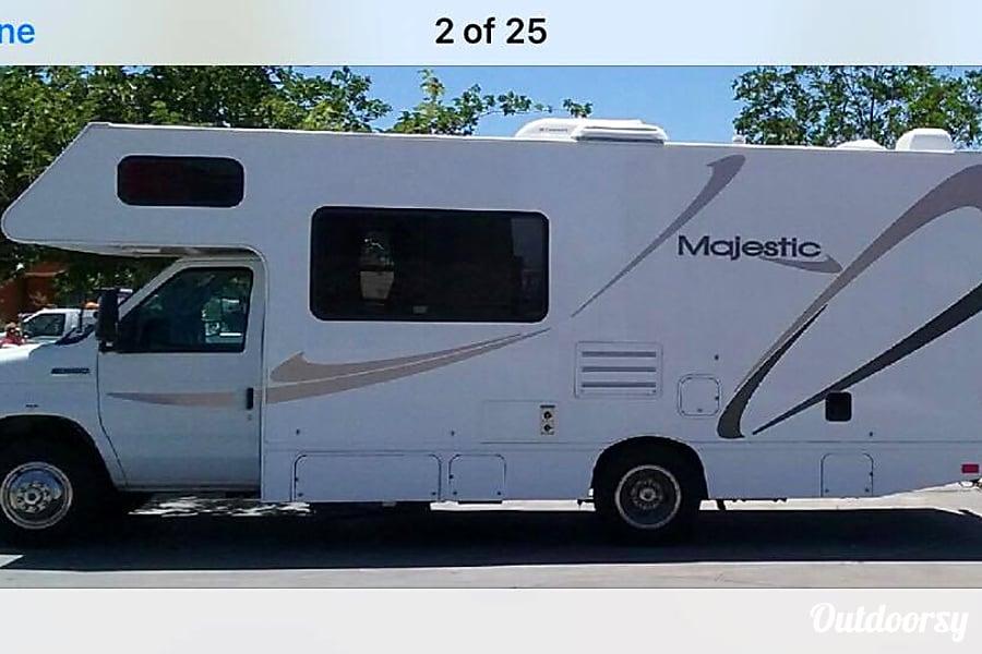 exterior FORD 25 FT CLASS C RV DRIVES LIKE A  CAR SLEEPS 6 NICKNAME (WINNIE) Las Vegas, NV