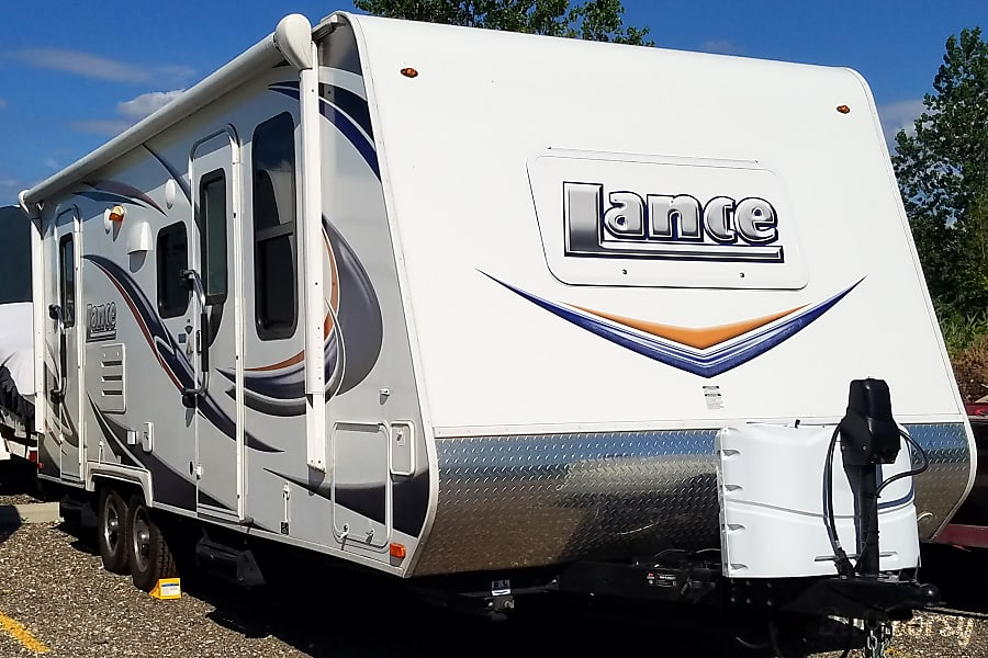 exterior 2015 Lance 2185 SUV-towable Camper South Lyon, MI