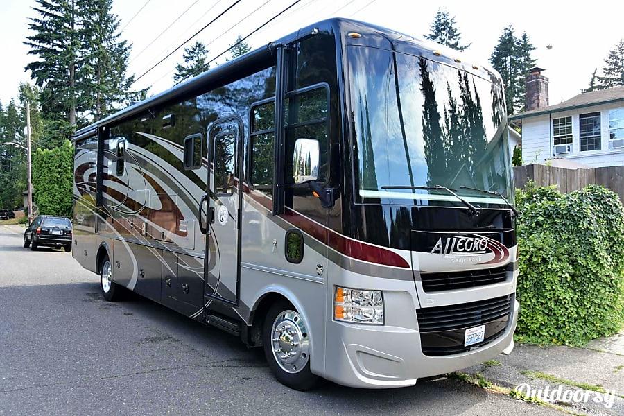 exterior Magic Bus Lake Forest Park, Washington