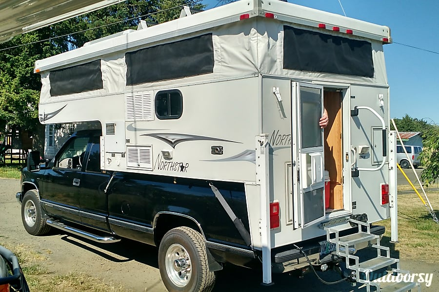 """Truck Camper """"Yosemite"""" Fully Outfitted+Solar! Sheridan, OR"""
