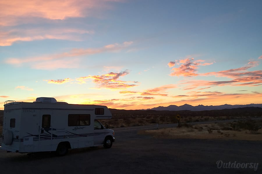exterior Eagle 5  - Sleeps 4 Adults 2 Kids - 2002 Itasca Spirit Truckee, CA