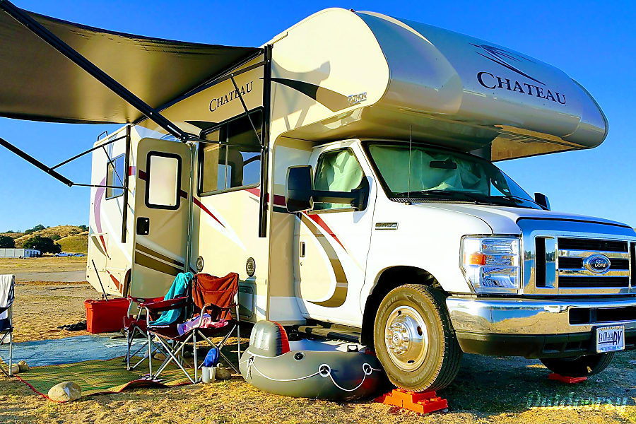 exterior 2018 Thor 28Z Chateau Class C - Sleeps 6-8  Let's Go Glamping! Aptos, California