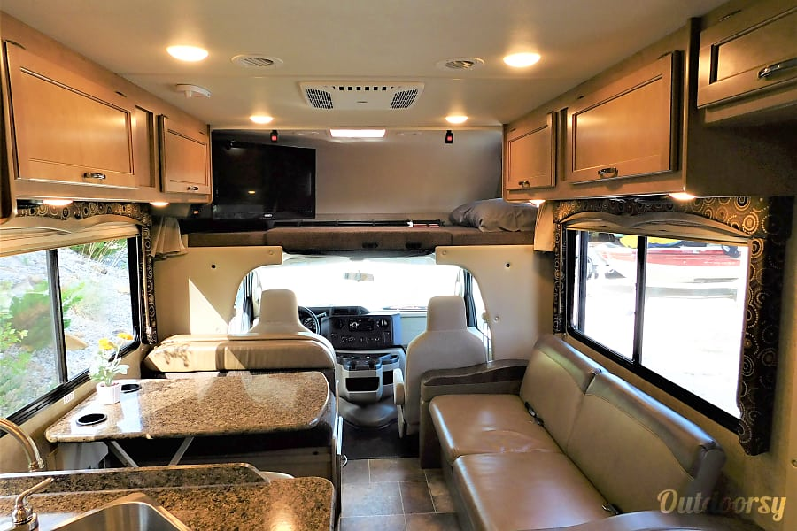 2017 Thor Motor Coach Four Winds Stevensville, MT