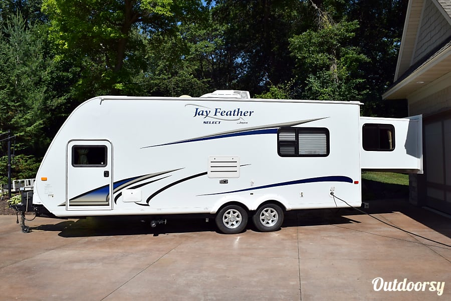 exterior 2011 Jayco Jay Feather Select Prior Lake, MN