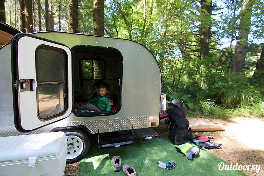Teardrop Camp Trailer 2017 Bend, OR Kids never want to leave the cabin