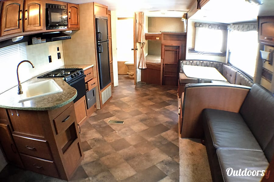 2014 Keystone Summerland 32'- The Wheelhouse Lincoln, DE