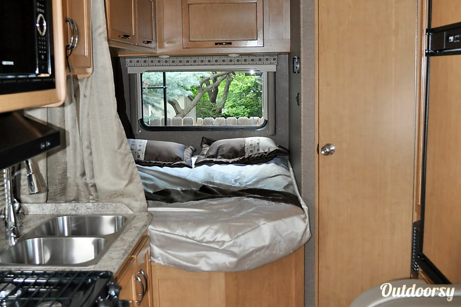 interior 2017 Thor Motor Coach Four Winds Loveland, CO