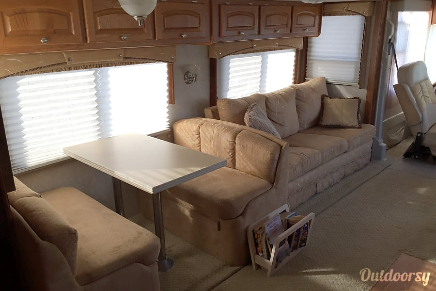 2005 Damon Intruder Los Angeles, California Table area converts to a small day/night bed