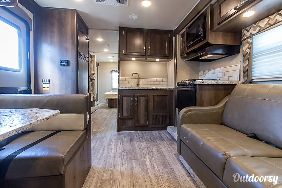 interior 2018 Fully Furnished Family Class C Jayco Redhawk - Sleeps 8+ Gilbert, AZ