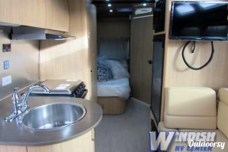 Airstream Flying Cloud 23' Denver, CO
