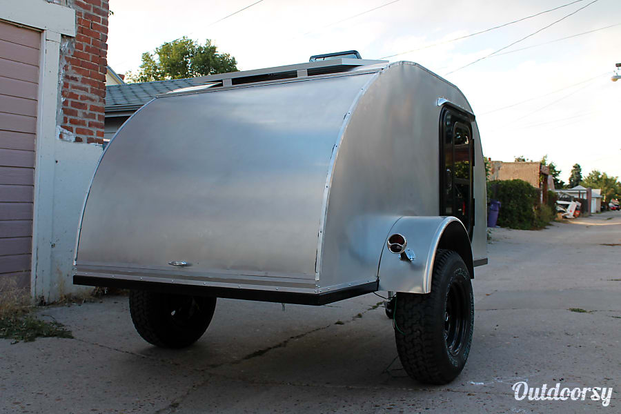 Teardrop Camper - Solar & Extra Long (for tall campers!) Lakewood, CO