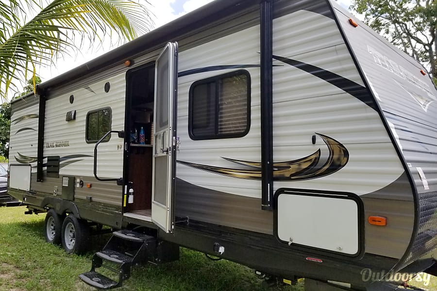 exterior The Gettaway Wellington, Florida