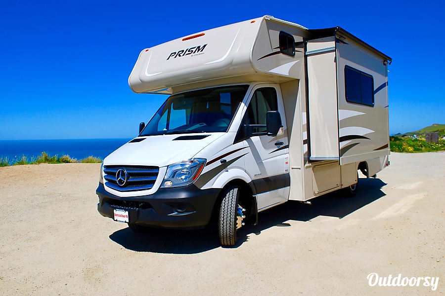 exterior 2018 Mercedes-Benz Turbo Diesel engine 19 MPG! RV-2 Martinez, CA