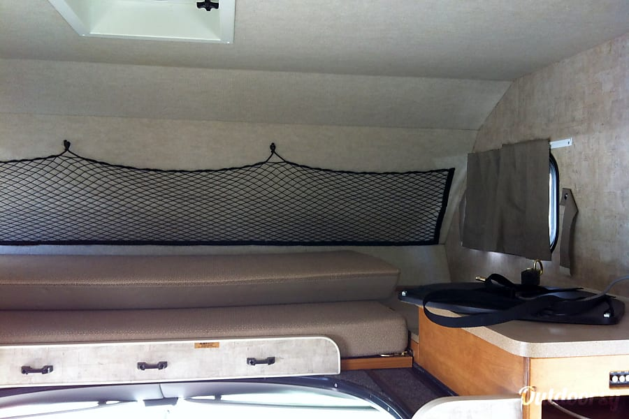 2007 Fleetwood Jamboree Mission Viejo, California Overhead bunk, room for 2.