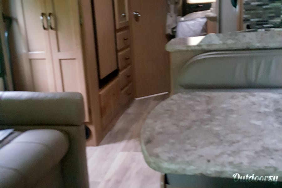 interior 2018 Thor Motor Coach Four Winds Pike Road, AL