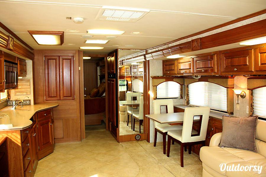 interior 2005 Monaco Diplomat Old Bethpage, New York