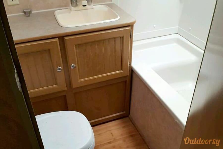 Nice Clean Affordable Unit Indianola, Iowa Bathroom and Shower