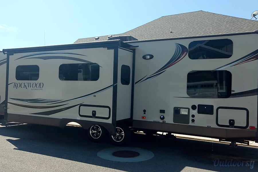 2015 Forest River Rockwood Signature Ultra Layton, Utah