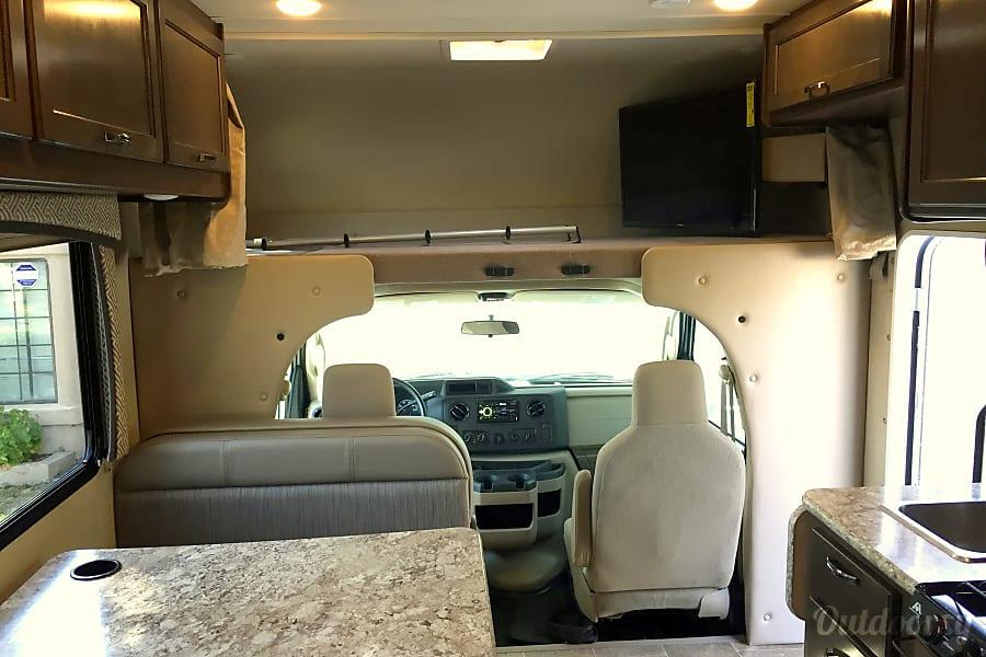 interior 2017 Thor Motor Coach Chateau Temecula, CA