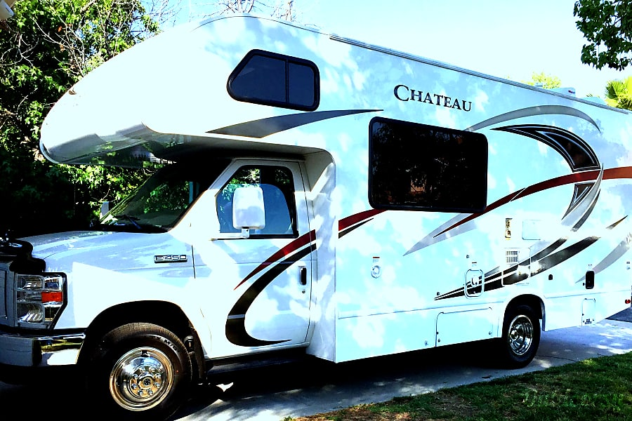 2017 Thor Motor Coach Chateau Temecula, CA