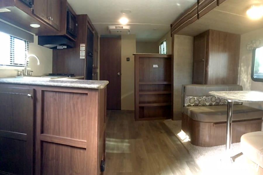 interior TT6678 2017 Coleman Riverside, MO