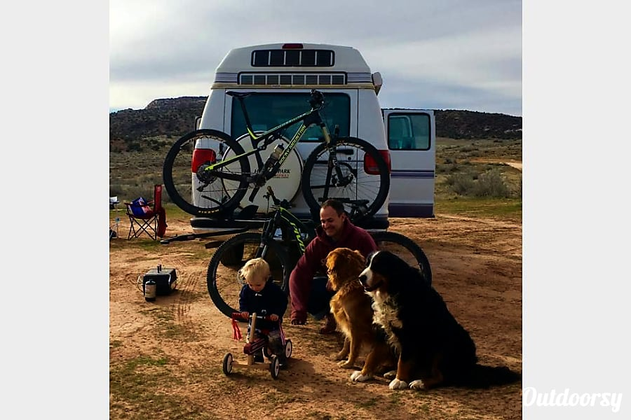 1997 Roadtrek 190 Versatile 4 Captains Chairs. Baby Seat Friendly.  Sleeps 4 Avon, CO