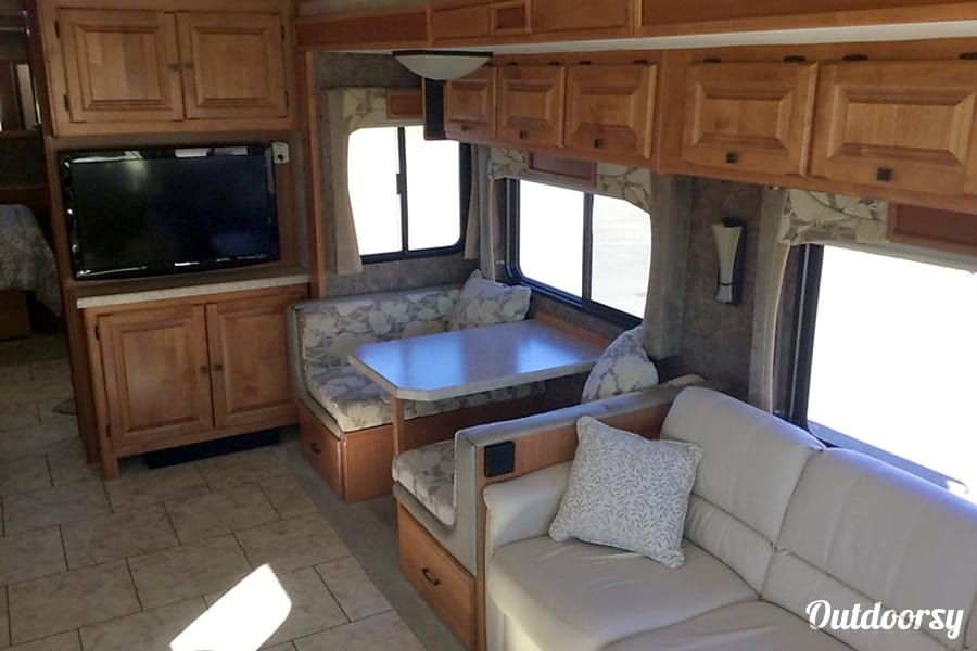 2011 Tiffin Allegro Open Road with a Super Easy Ride suspension San Antonio, Texas Eating and lounging area. Also converts into 4 sleepers.