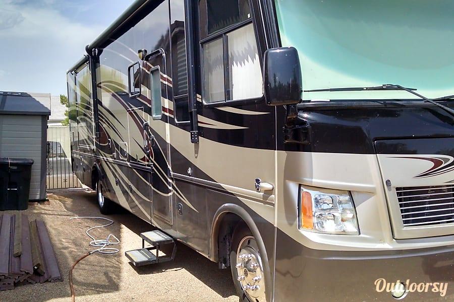 2012 Thor Motor Coach Challenger 36FD Las Vegas, Nevada