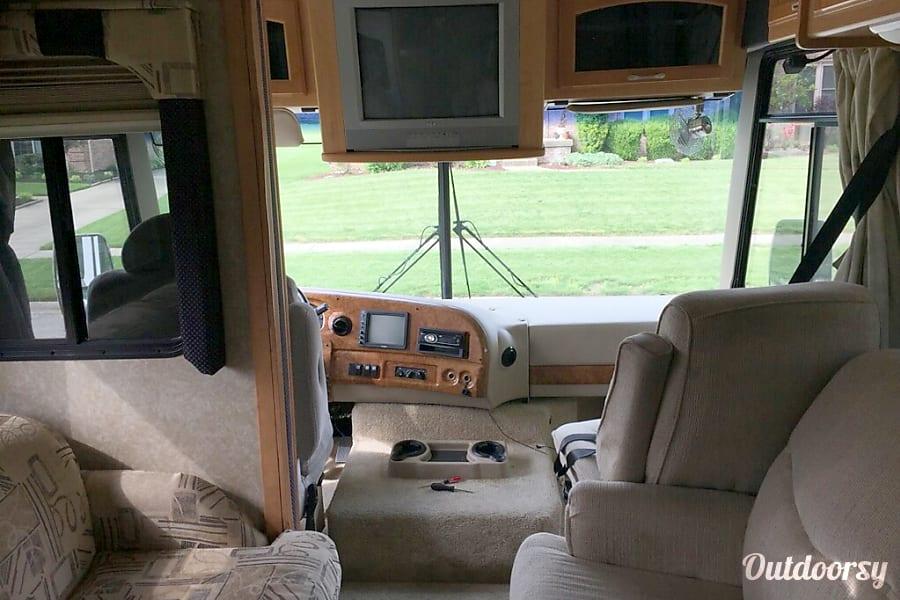 2007 Thor Motor Coach Hurricane New Albany, IN