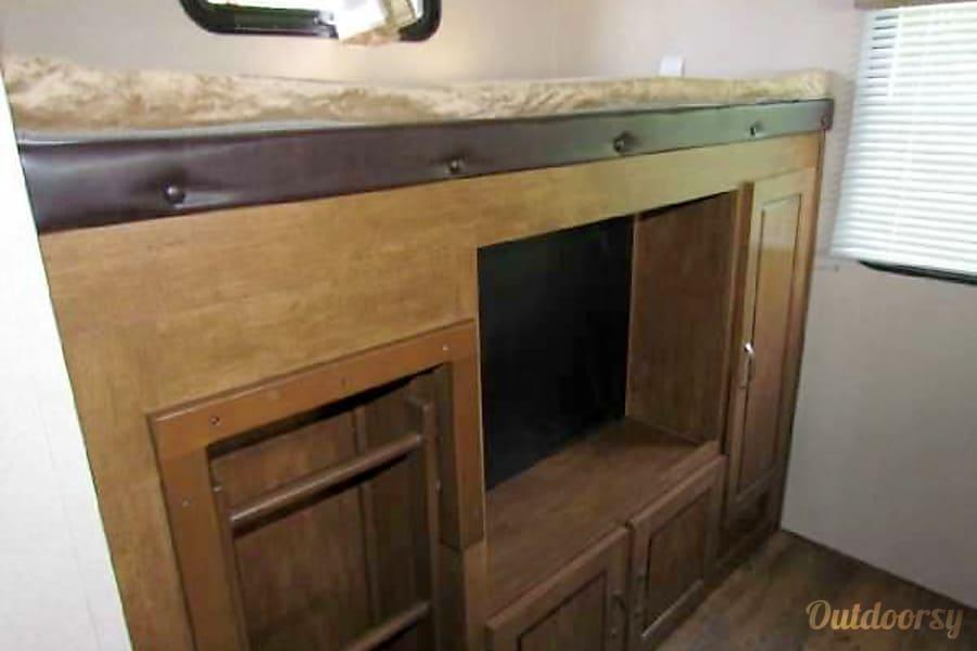 2016 Forest River Salem Junction City, Kansas Back bunk. Smart tv included.