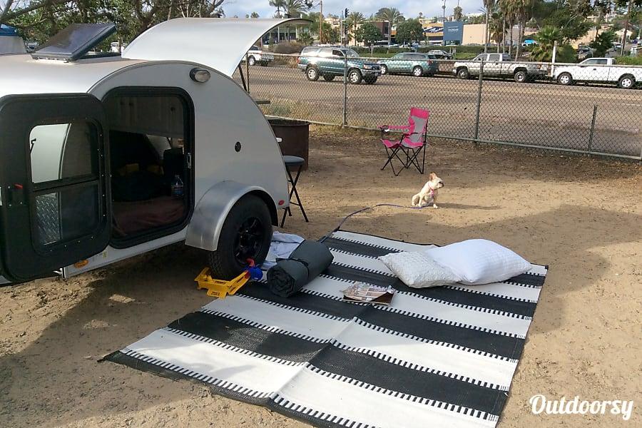exterior Tiny Teardrop To Go Solana Beach, California